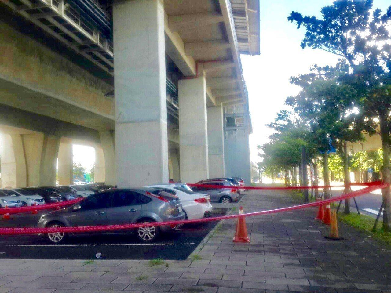 黃姓男子今天上午從高鐵台南站月台墜地死亡。記者吳淑玲/翻攝
