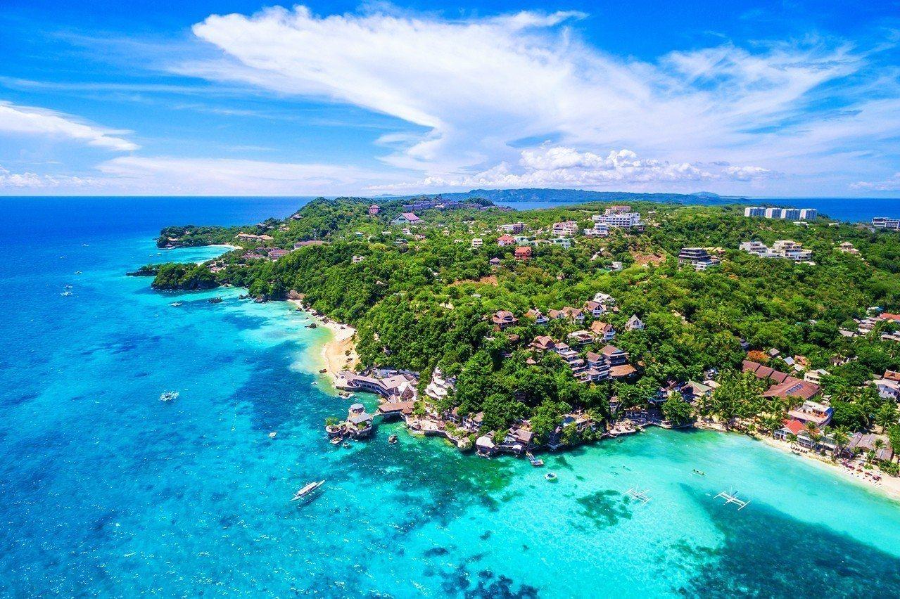 長灘島豐富自然景觀封島後積極復原。圖/易遊網提供