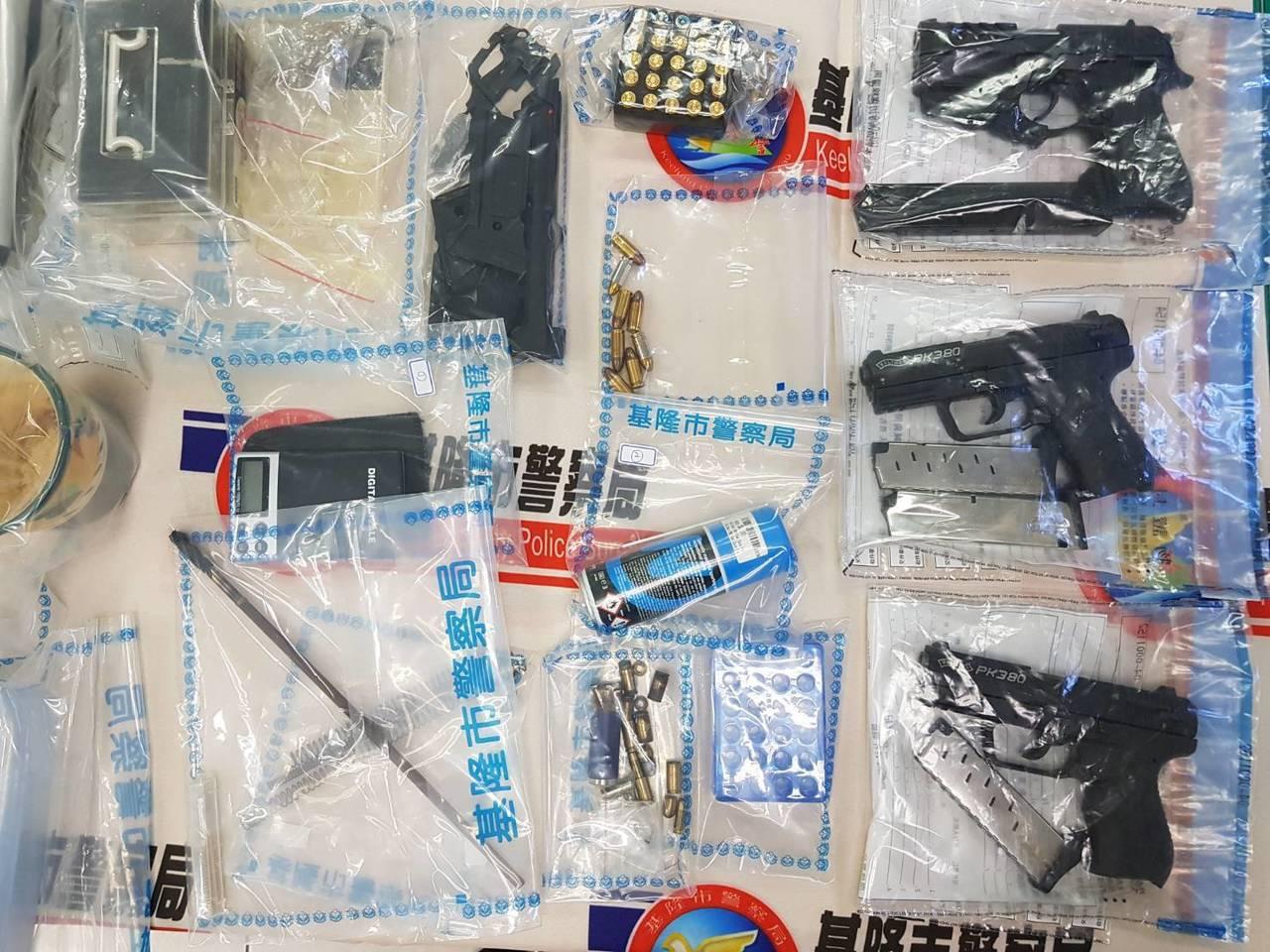 基隆市警局刑大偵三隊昨在新竹市竹北區當場逮獲蘇男。警方表示,起初蘇男還不願配合調...