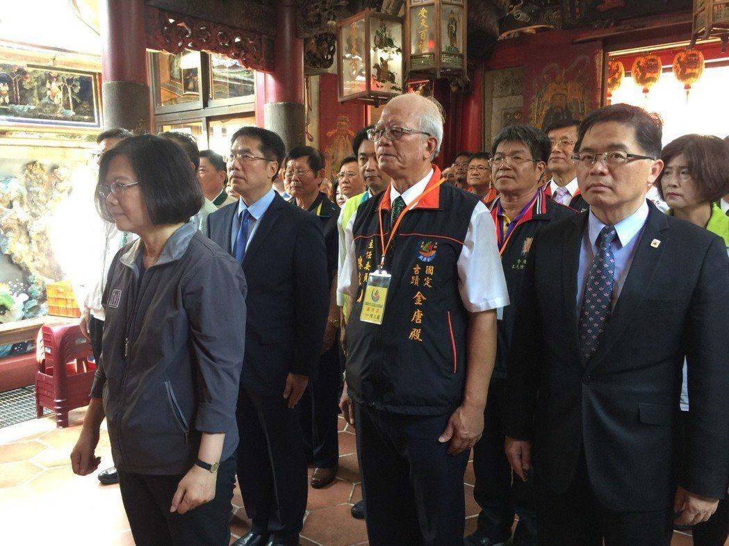 台南市代理市長李孟諺(右一)。記者吳政修/攝影