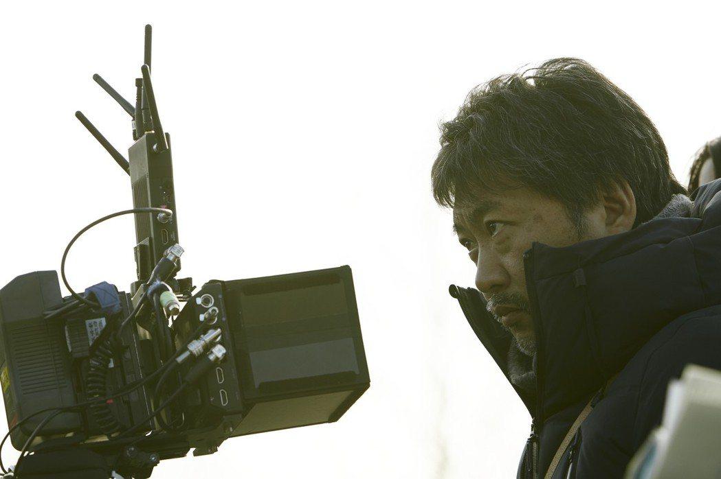 是枝裕和執導電影「小偷家族」,拿下坎城影展最佳影片「金棕櫚獎」的肯定。圖/采昌提