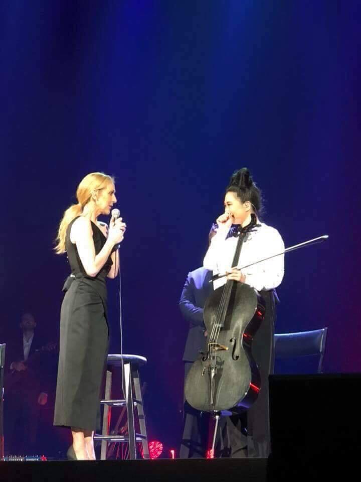 席琳狄翁與來自台灣的大提琴手康瑋倫在演唱會上有精彩的互動演出。圖/寬宏提供