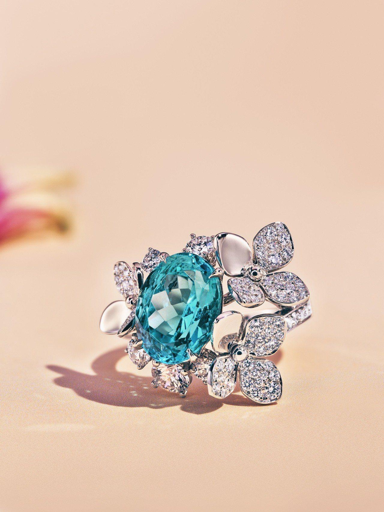 Tiffany 2018 Blue Book系列春季主題,鉑金鑲嵌逾3克拉橢圓形...