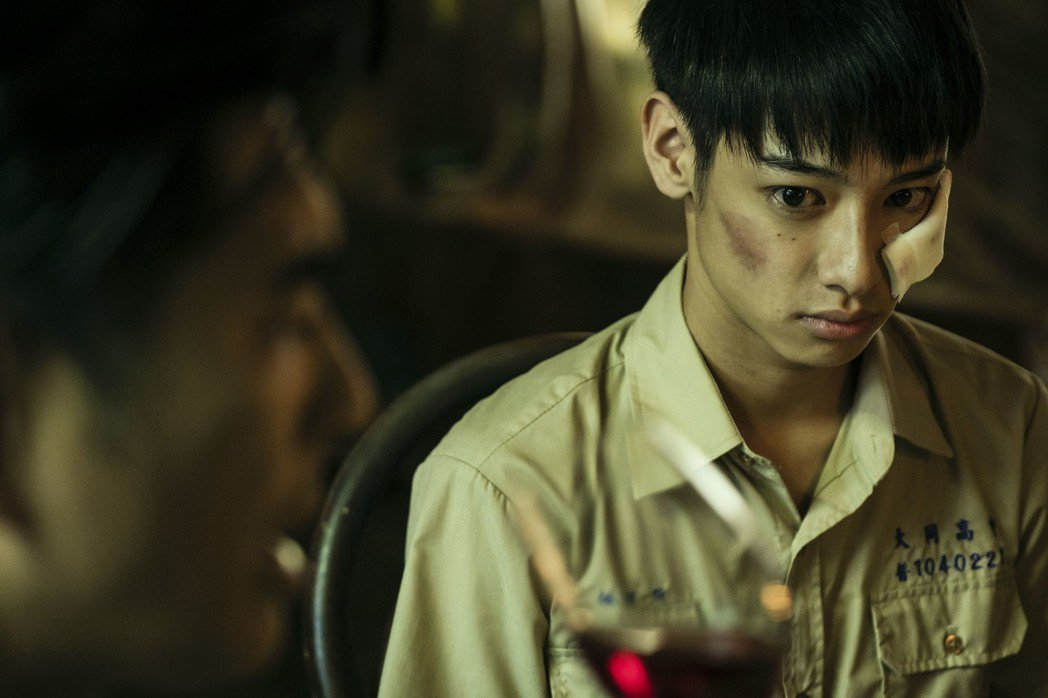 劉修甫在「貓的孩子」中飾演被父母期望壓垮的孩子。圖/公視提供