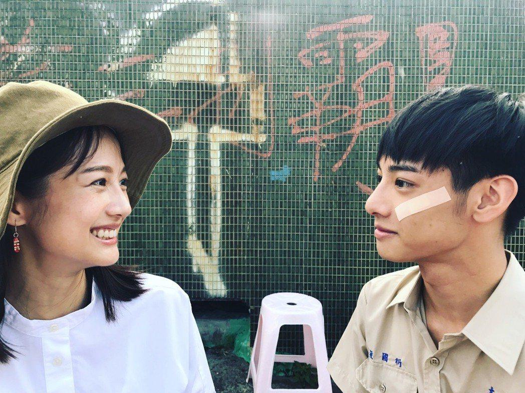 劉修甫拍「貓的孩子」,簡嫚書因探班導演而相見歡,面對面像照鏡子。圖/公視提供