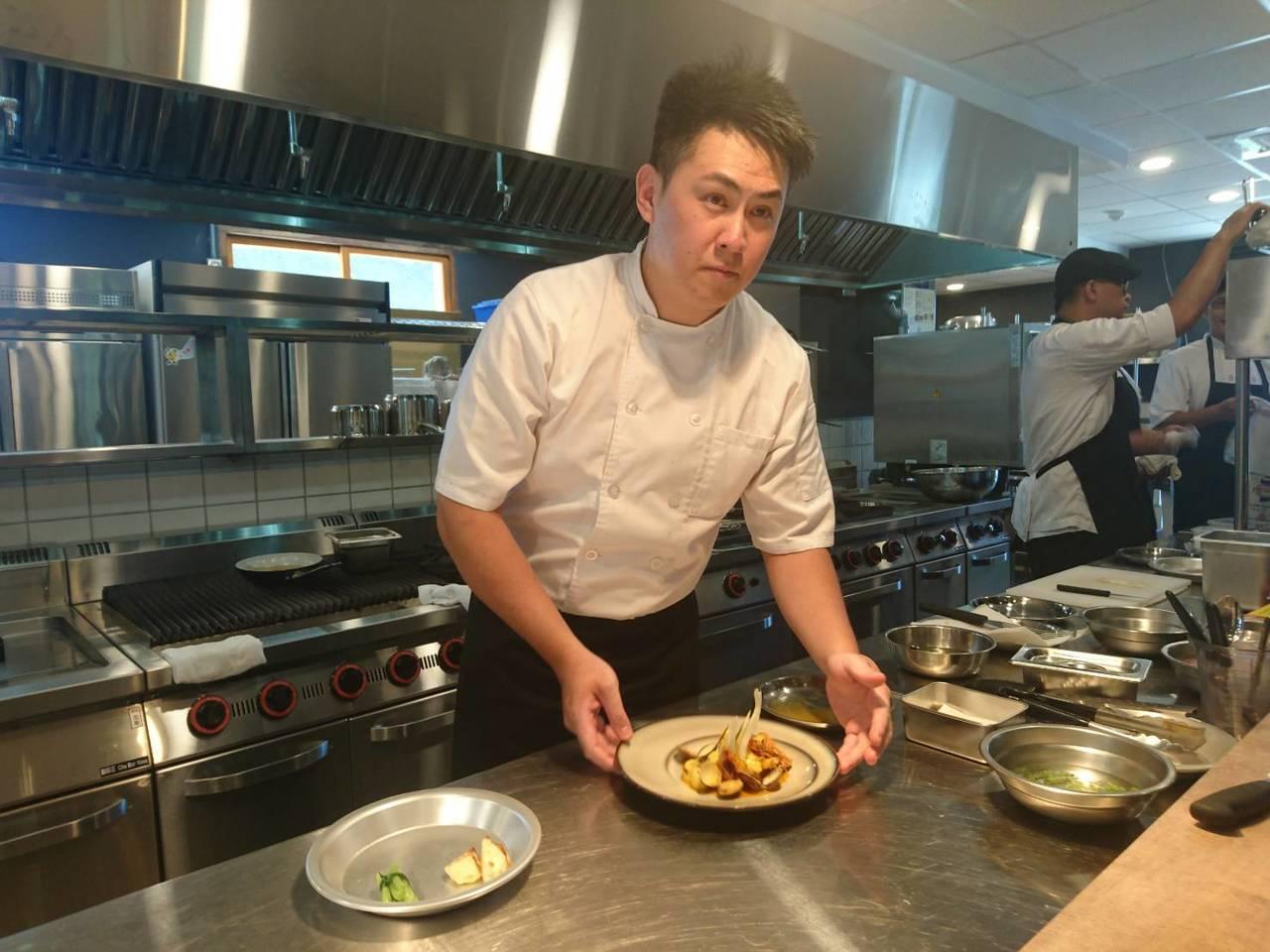 館內有法式餐廳與美食。 記者羅建旺/攝影