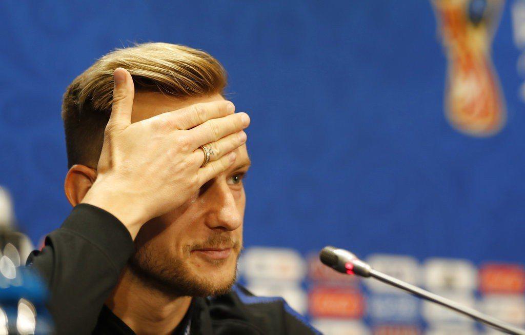 拉基提奇願付出一切為國家隊拿下首冠,包括讓額頭刺上大力神盃的刺青。 美聯社