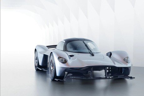 Aston Martin全新中置引擎入門超跑 就是迷你版Valkyrie?