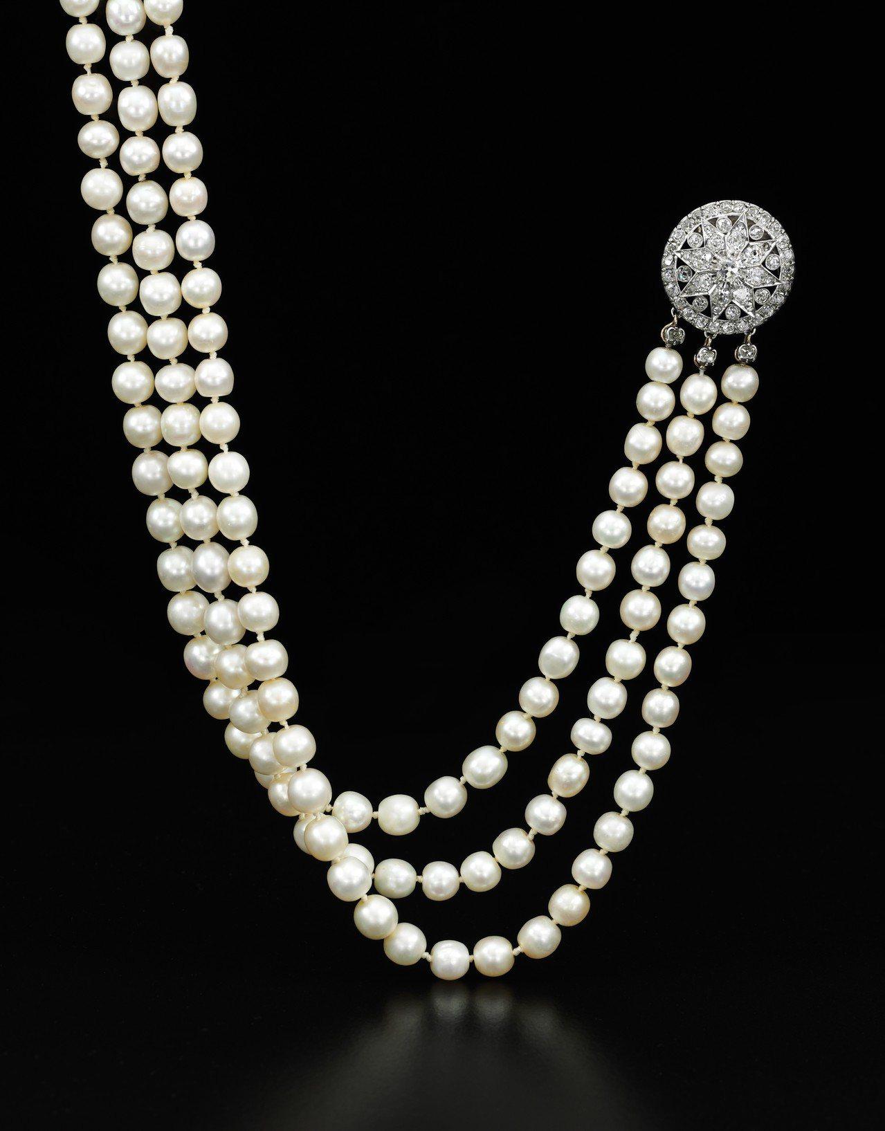 天然珍珠與鑽石項鍊,估價約600萬元起。圖/蘇富比提供