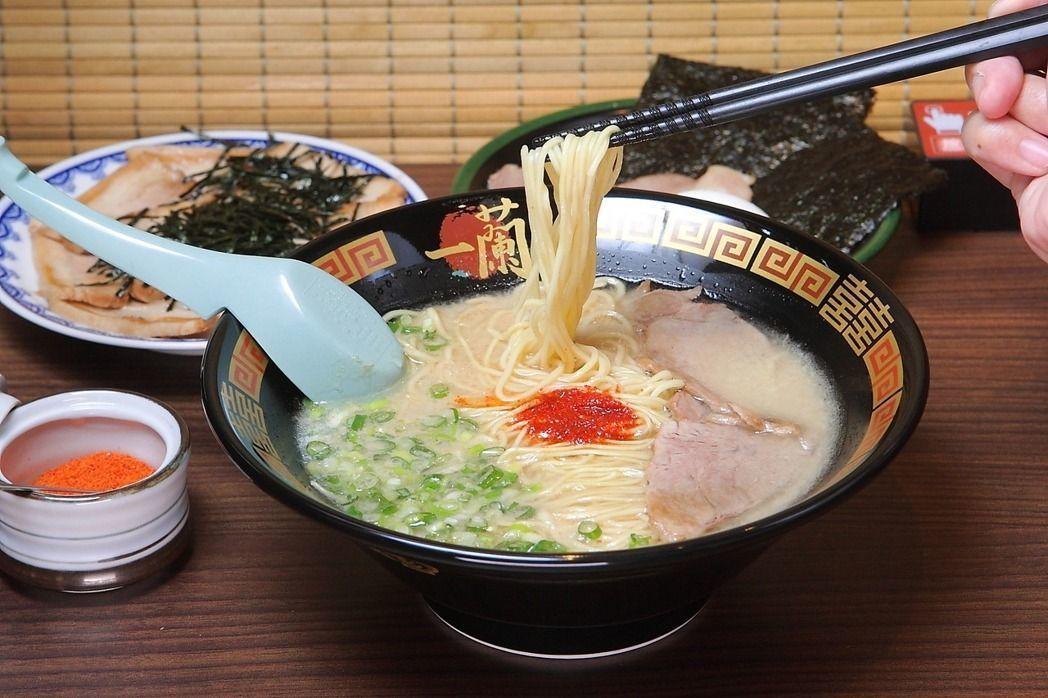 一蘭拉麵是不少台灣觀光客赴日的必吃料理。記者陳睿中/攝影