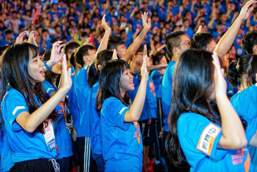 第29屆飢餓三十第29屆飢餓三十飢餓勇士大會師,今天在林口綜合體育館登場,許多青...