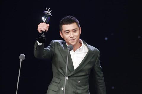 2018台北電影獎,最佳男配角獎由鄭人碩獲得。