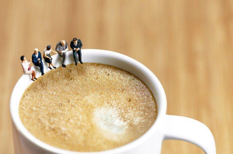 有些人愛喝咖啡,卻得忍受咖啡造成胃部不適,有些人因此放棄飲用咖啡。有研究顯示,你...
