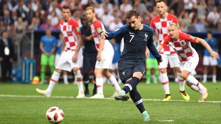 格里茲曼罰12碼球。 擷圖自FIFA官網