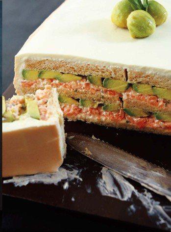 燻鮭塔塔醬&酪梨三明治蛋糕