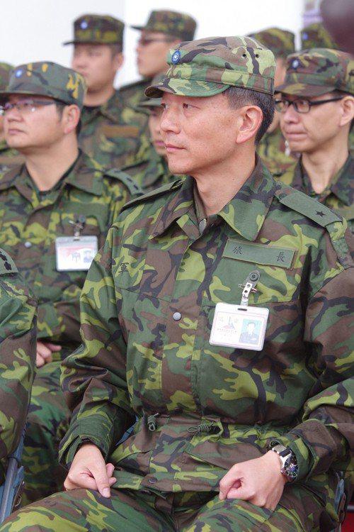 于北辰軍旅生涯最後兩個職務是陸官學指部指揮官、542裝甲旅長,都是臨危受命的「救...
