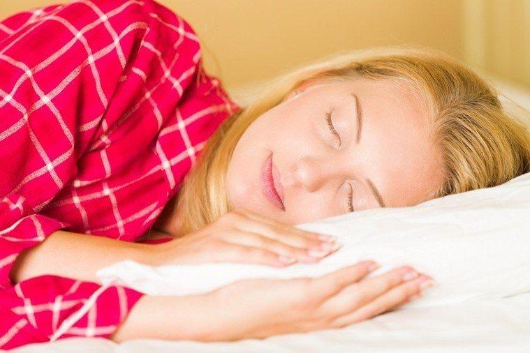美國研究發現,睡眠有助抗氧化,能預防阿茲海默症等神經退化性疾病!。(photo ...