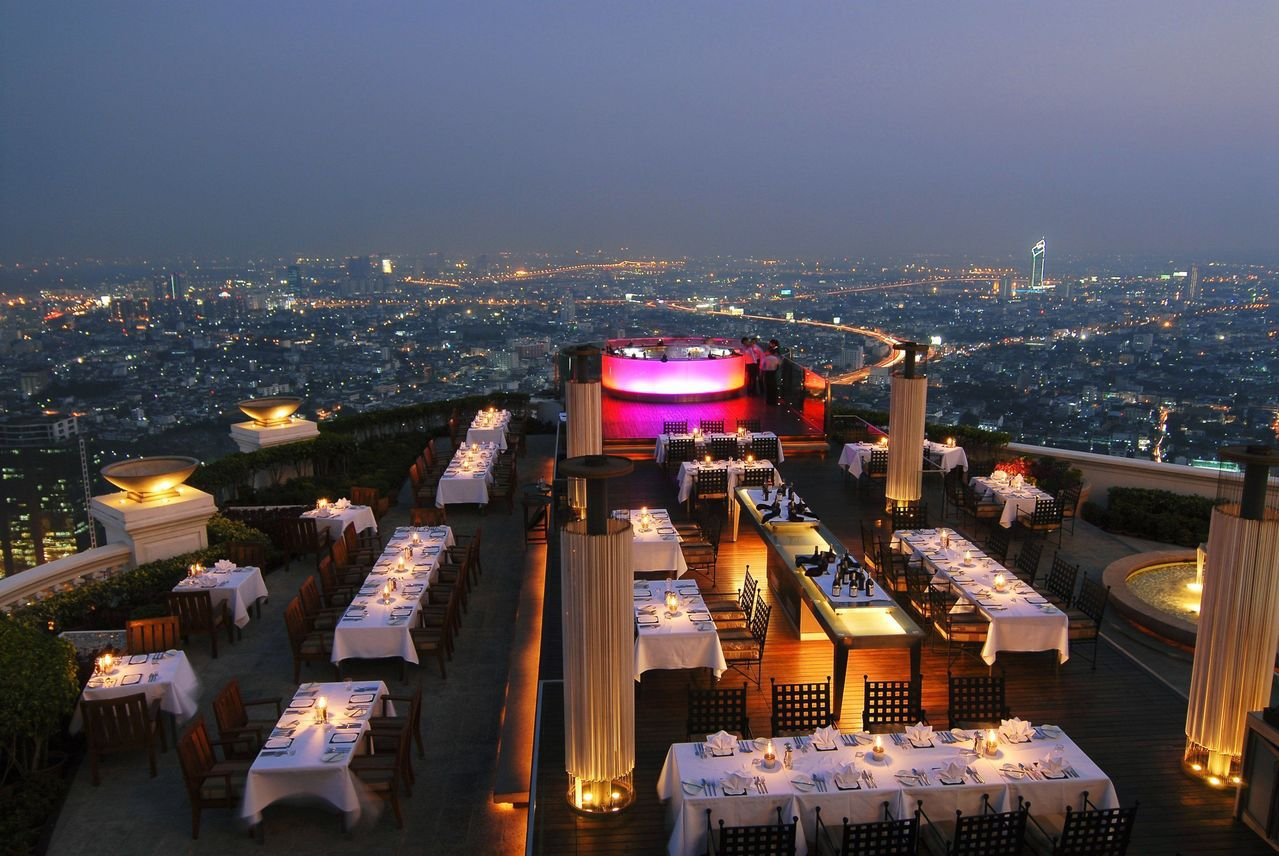 Booking.com特別推薦喜愛美食和冒險的旅客,造訪「泰國曼谷」指標性的屋頂...