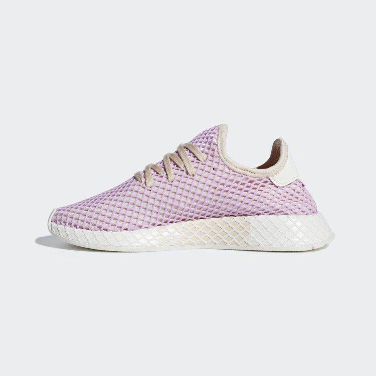 adidas Originals DEERUPT系列粉紅色休閒鞋,約3,890元...