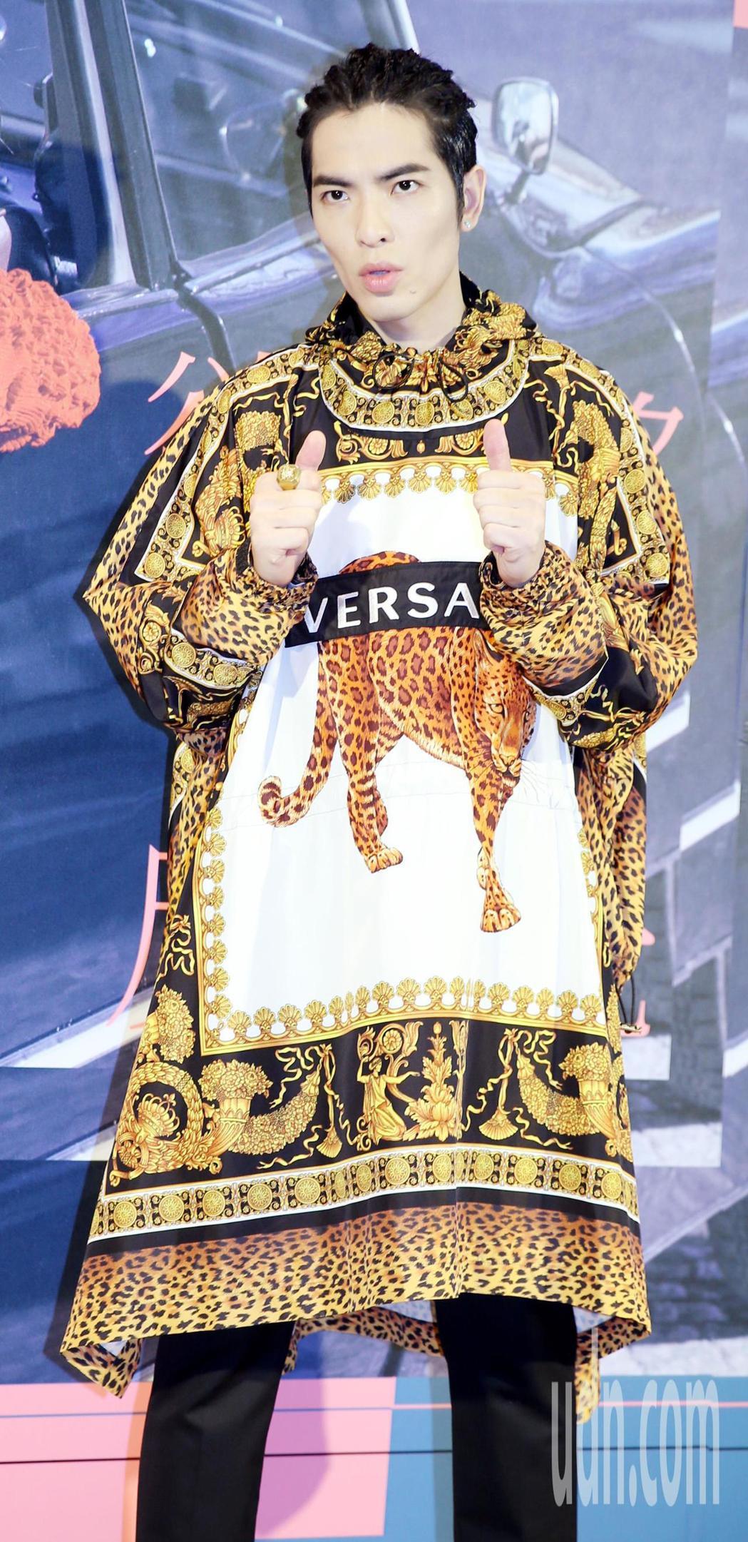 發行新專輯的蕭敬騰昨舉辦「讓騰為你唱情歌」粉絲見面會 。記者侯永全/攝影
