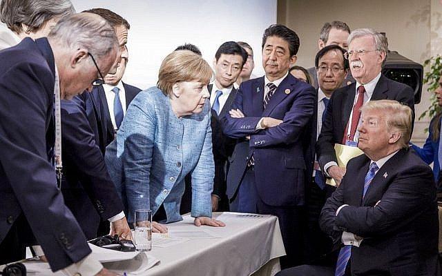 川普與全球貿易糾紛日益緊張。美聯社