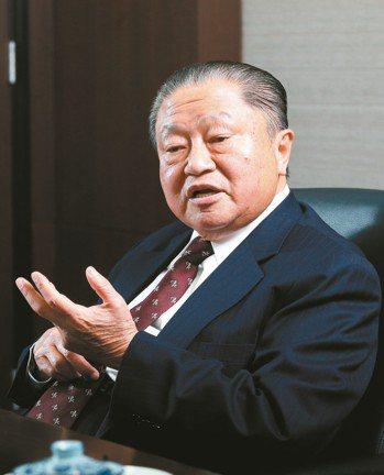 台達電創辦人鄭崇華