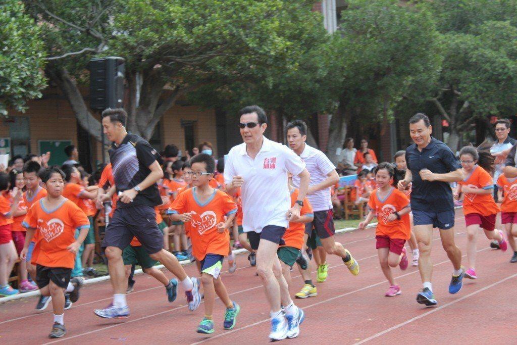 跑步時以中低速最適合減脂。報系資料照