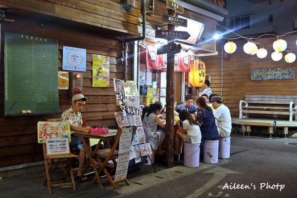 ▲沖繩景點:国際通り屋台。(圖/Aileen開心過生活)