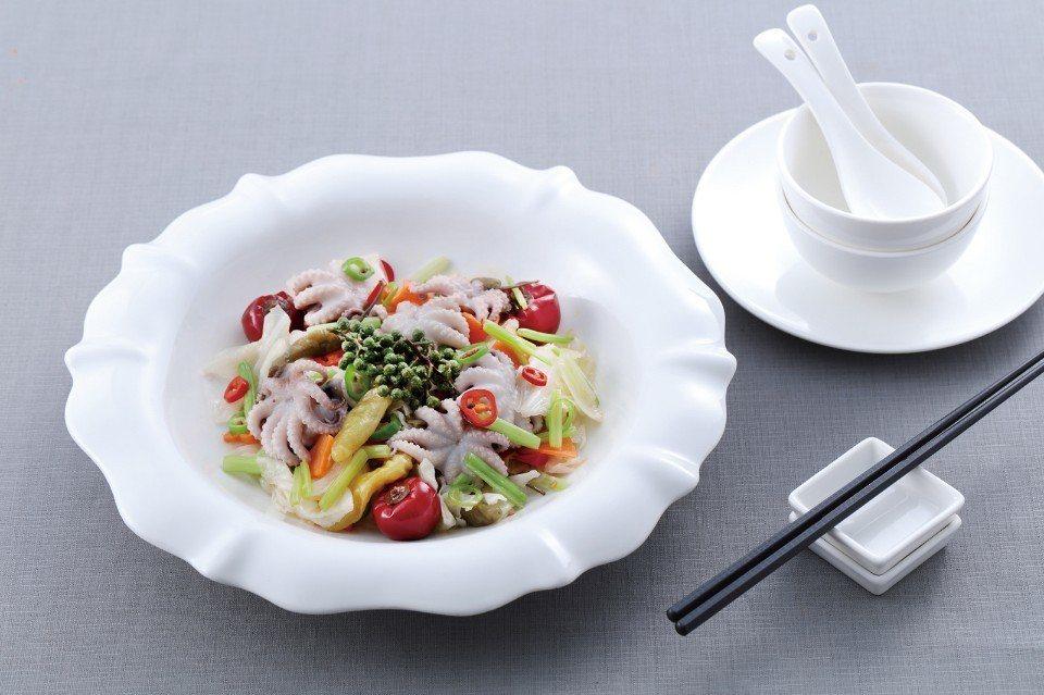 水煮泡菜海味。圖/王品集團提供