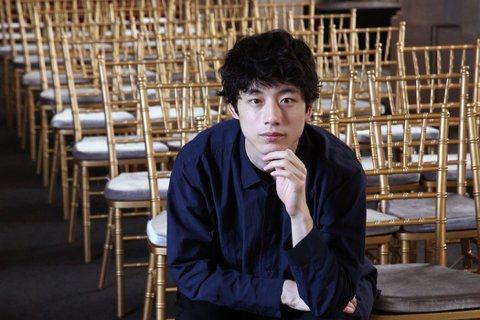 27歲的日本「鹽系男神」坂口健太郎與26歲的高人氣日本女演員高畑充希爆出戀愛ing,根據日媒報導,兩人已結婚為前提交往已近2年,且見過雙方家人家人。兩人因演出NHK晨間劇「當家姐姐」疑似假戲真做,2...