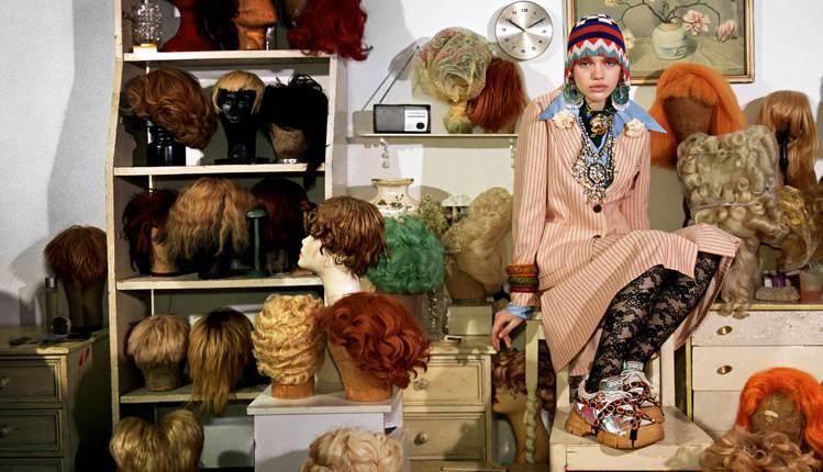 Gucci秋冬廣告以「Gucci收藏家」為題,刻畫著對繪畫、骨董、珍稀品等有著瘋...