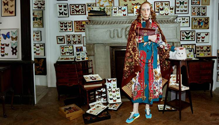 Gucci秋冬廣告利用大量收藏品打造「人海戰術」。圖/Gucci提供