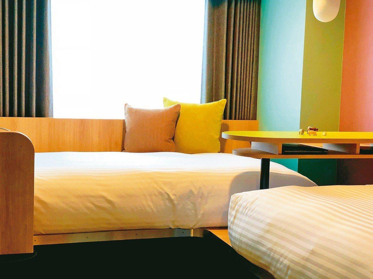 OMO7的房型中的DANRAN Room,以團聚概念設計,住一晚每人最低5,00...