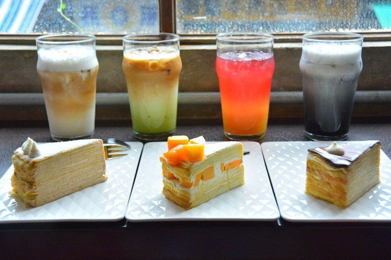 花樓咖啡的千層蛋糕及漸層飲料。記者吳淑玲/攝影
