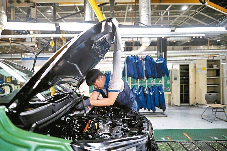 南韓製造業 湧出走潮