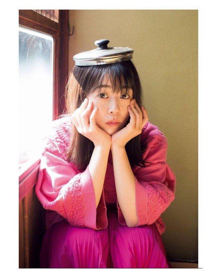 高畑充希被歸類為「小貓臉」。圖/擷自instagram