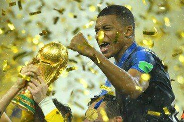 如果姆巴佩也獲博士學位:運動員拿金牌換學位,成就還是將就?