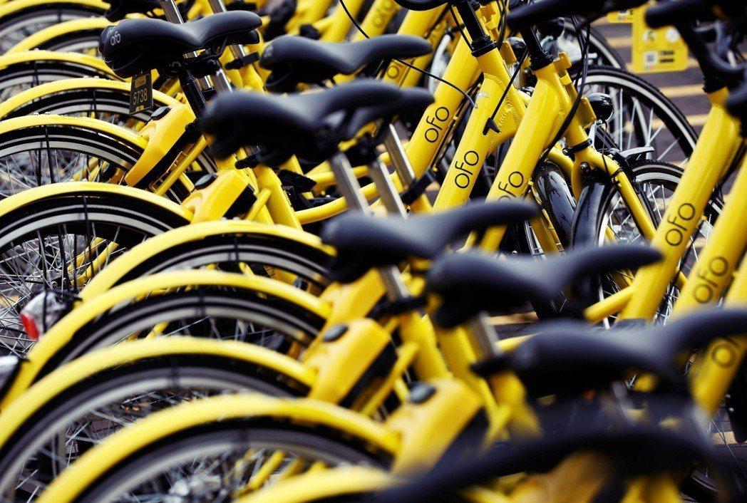 新加坡560萬人口的市場,有多達5家無樁共享單車業者在競爭,oBike 在進入新...