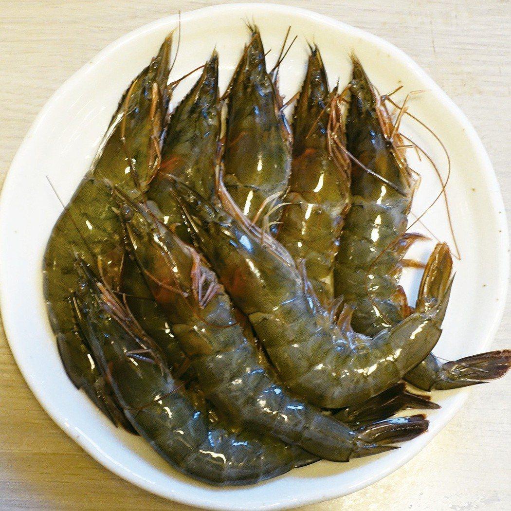 自己買蝦子回來剝的蝦仁,味道很實在。圖/太陽臉
