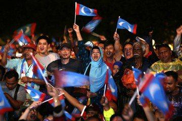 馬來西亞不久前剛經歷了建國61年以來第一次的政黨輪替,希望聯盟取代國民陣線成為執政黨。 圖/美聯社