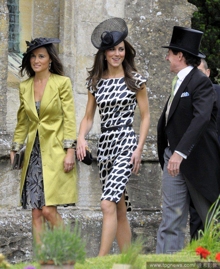凱特進入英國皇室後首度出席婚宴,穿著平價品牌ZARA的洋裝。圖/達志影像