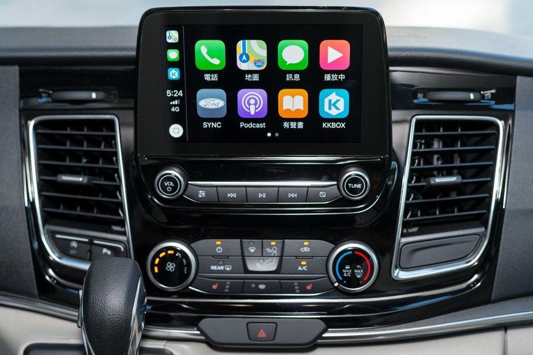 福特旅行家豪華版全新搭載SYNC 3系統,全時連結娛樂生活。 圖/福特六和提供