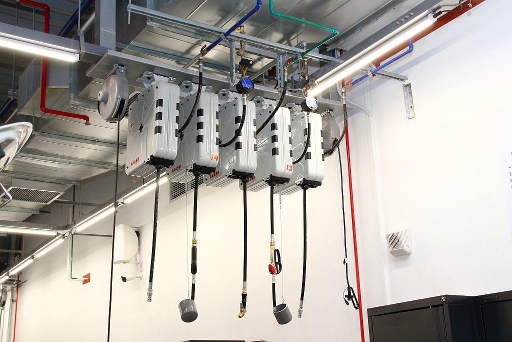 Raasm氣、水、電、油七合一整合式專用捲盤 記者張振群/攝影