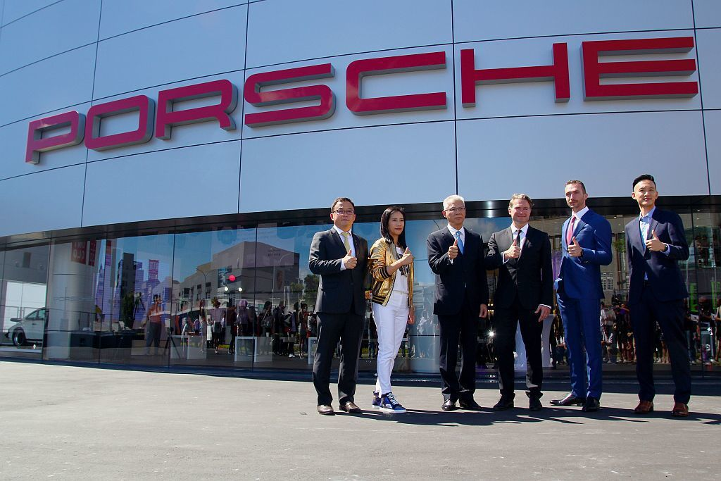 斥資12億台幣、占地約3,100坪並找來Porsche海外銷售事業部副總裁、台灣...