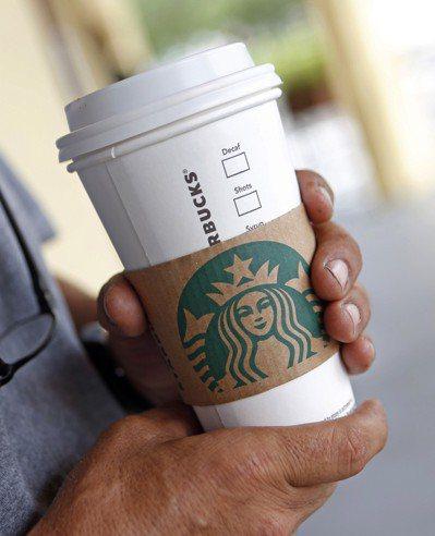 星巴客發起「勁杯挑戰賽」,要找出更友善環境的杯子。圖/美聯社圖/美聯社