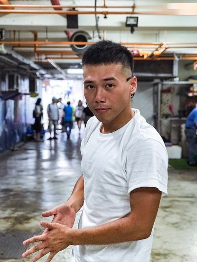 男網友媽媽向他說每減1公斤就給200元,最後他成功瘦了30公斤。圖擷取自《Dca...