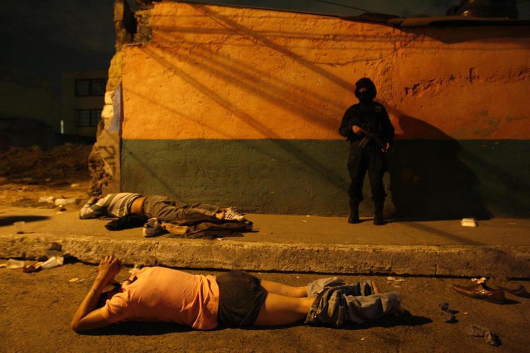 墨西哥人在尋找解決漫長困局的長夜中,遇上奧布拉多爾短視的民粹政策,似乎再次和完善...