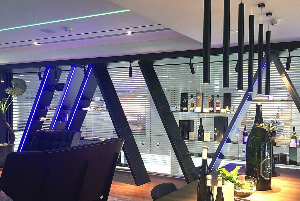 VIP室窗簾搭配Hunter Douglas電動窗 圖/Hunter Douglas提供