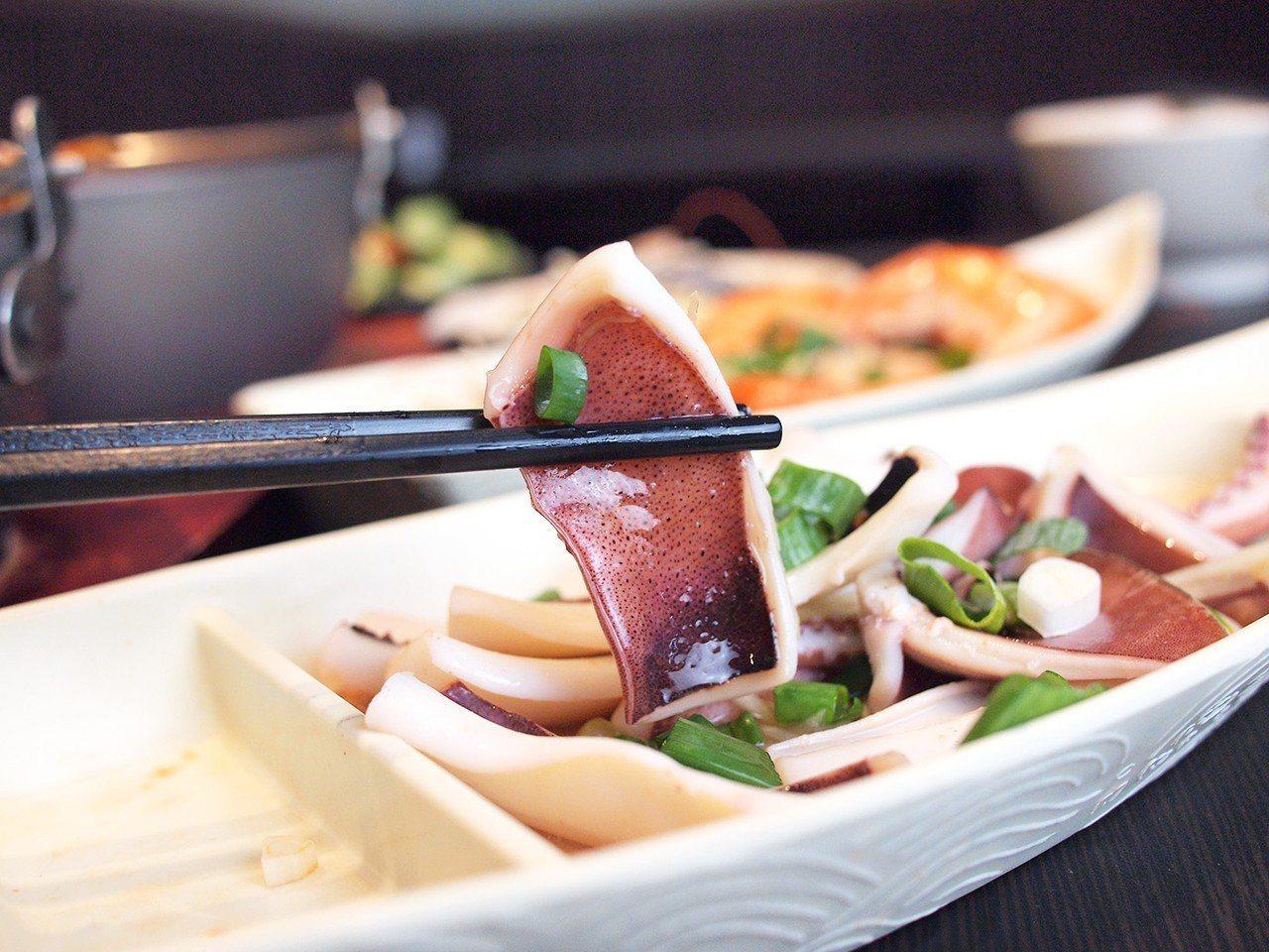 (圖/台灣旅行趣) ▲「鹽蒸魷魚」,清蒸的阿根廷魷魚很清爽。