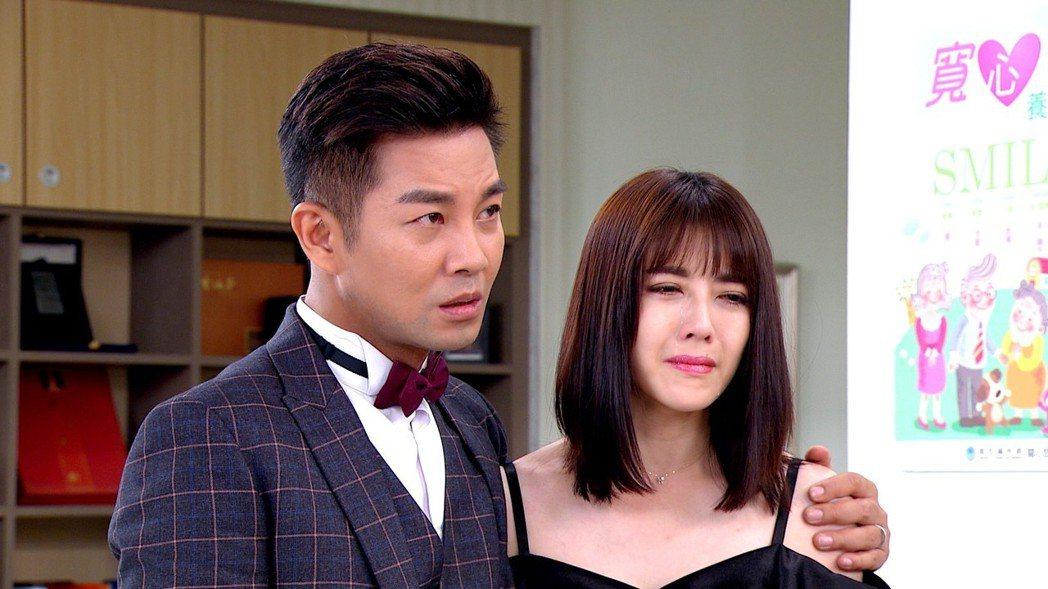 韓瑜(右)和謝承均是好友,戲中卻是反目夫妻。圖/三立提供